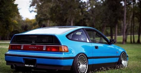 This CRX has something in it