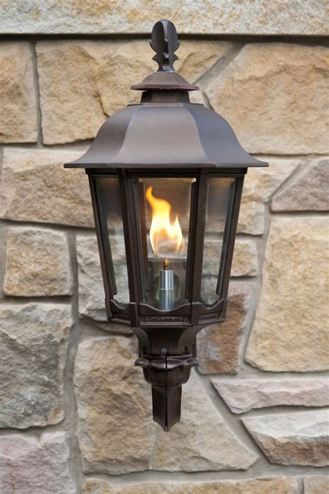 Wall-mounted Straight Open Flame Bavarian lamps welcome