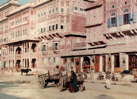 A view of the streets of Jaipur - 1926 - Old Indian Photos
