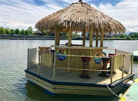 Tiki Boat - Picture of Buffalo River History Tours