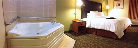 Pin on Seattle Honeymoon Hotels & Jacuzzi Suites