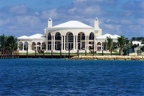 Architecture in the Bahamas: Oprah Winfrey House   During