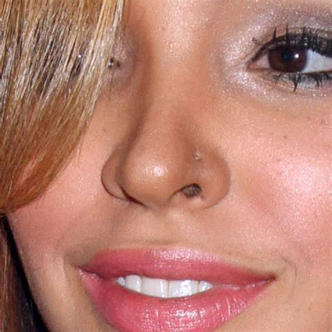 Celebrity Nose/Nostril Piercings | Page 3 of 6 | Steal Her